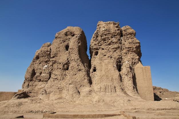 Templo egípcio antigo sesebi no sudão Foto Premium