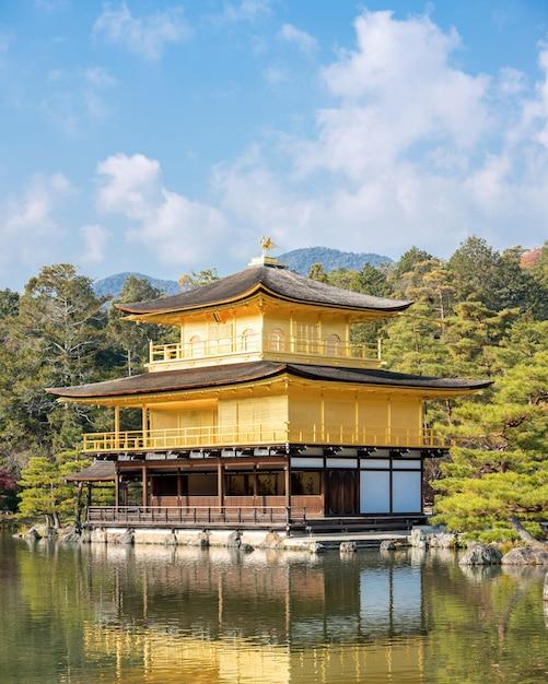 Templo kinkakuji Foto Premium