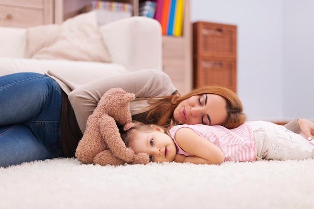 Tempo para uma soneca curta durante o dia Foto gratuita