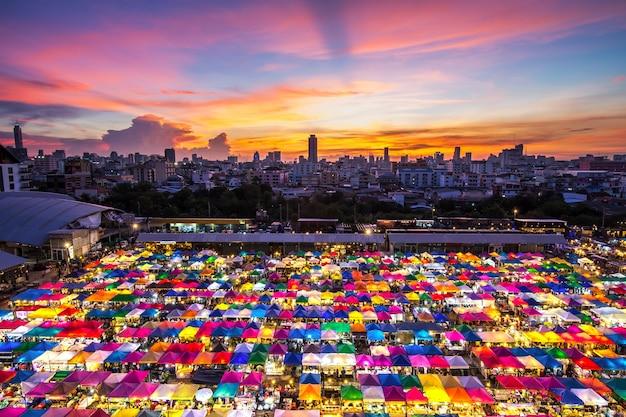 Tendas multi-coloridas Foto Premium