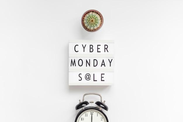 Texto de venda cyber segunda-feira em lightbox branco Foto Premium