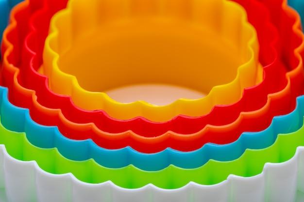 Textura bonita com círculos concêntricos com as cores do arco-íris. Foto Premium