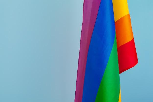 Textura de tecido da bandeira do arco-íris gay close-up Foto Premium