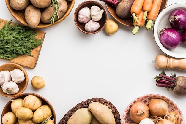 Tigela de quadro de legumes Foto gratuita