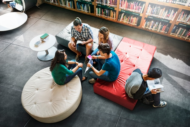 Tiro de educação diversificada Foto gratuita