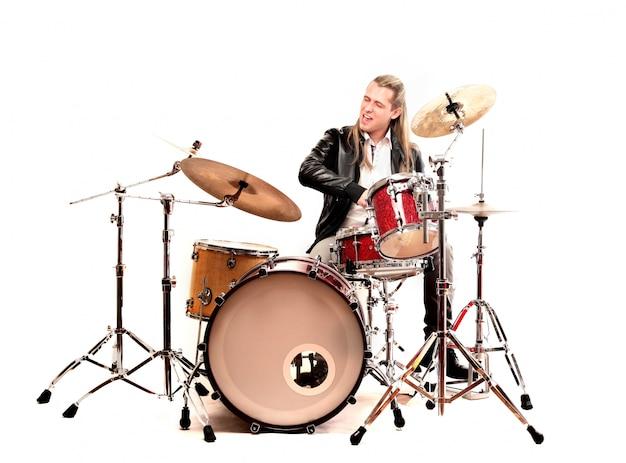 Tocador de tambor em solo Foto Premium