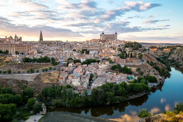 Toledo ao entardecer espanha Foto Premium