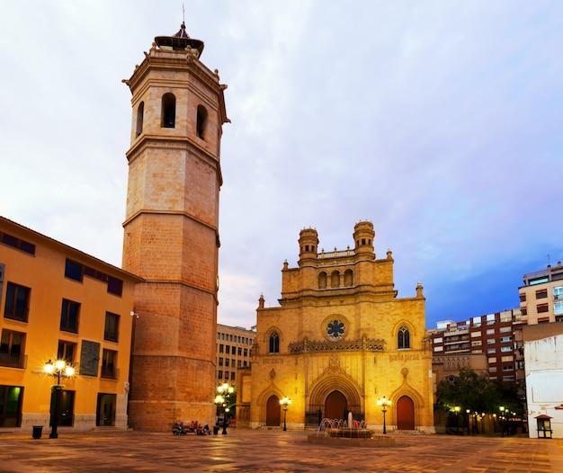 Torre de fadri e catedral gótica. castellon de la plana Foto gratuita