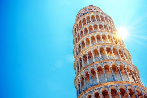 Torre inclinada de pisa Foto gratuita
