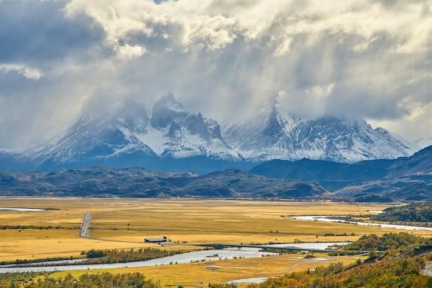 Torres del paine, parque nacional, chile, a, famosos, rota, de, trekking Foto Premium