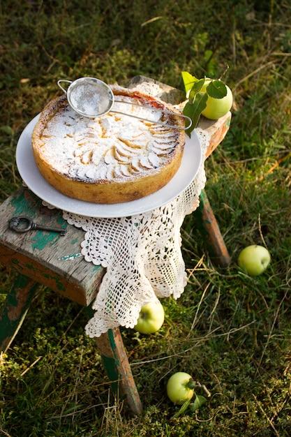 Torta de maçã com recheio de creme Foto Premium