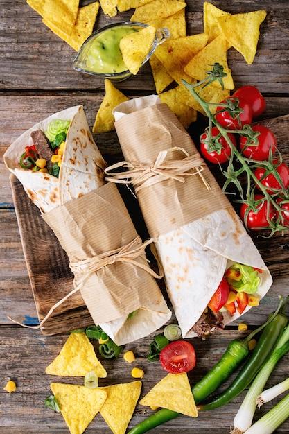 Tortilhas e nachos Foto Premium