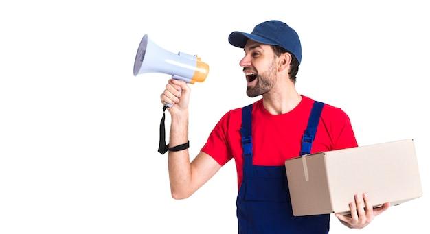 Trabalhador trabalhador correio gritando no megafone Foto gratuita