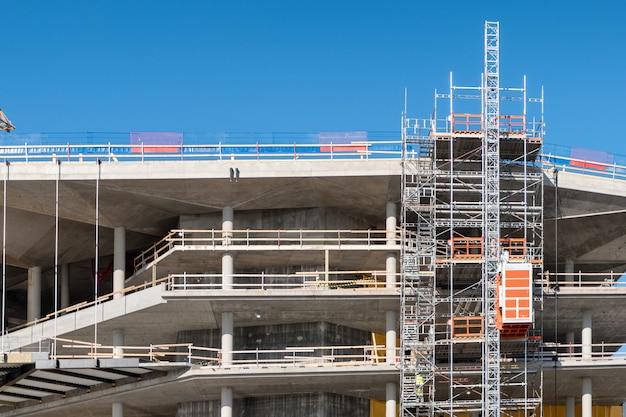 Trabalhador, trabalhando, estrutura, de, andaime Foto Premium