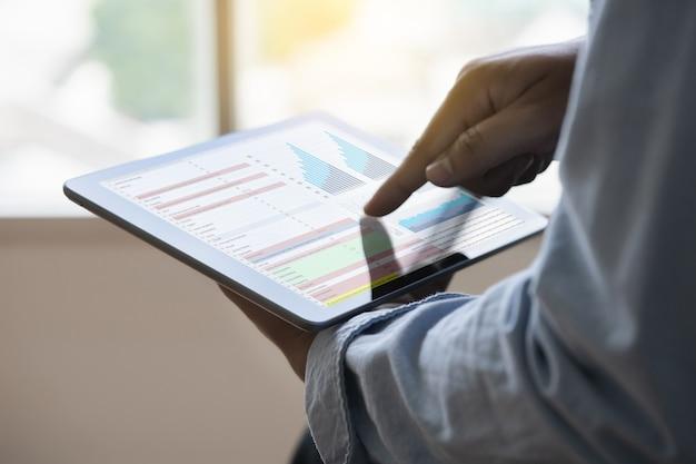 Trabalhe duro data analytics estatística informação business technology Foto Premium