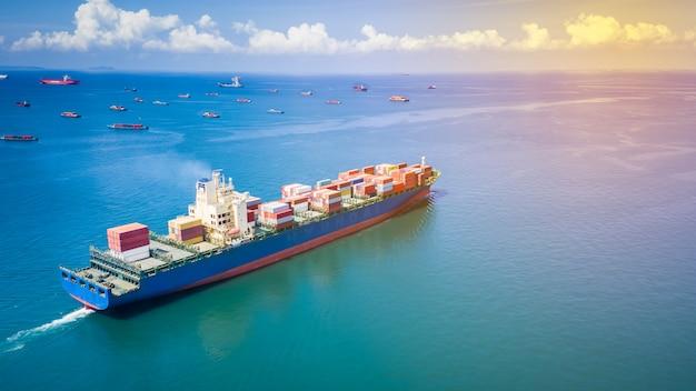 Transporte, recipiente, carga, negócio, internacional, importação, exportação, produto consumidor, mar aberto Foto Premium