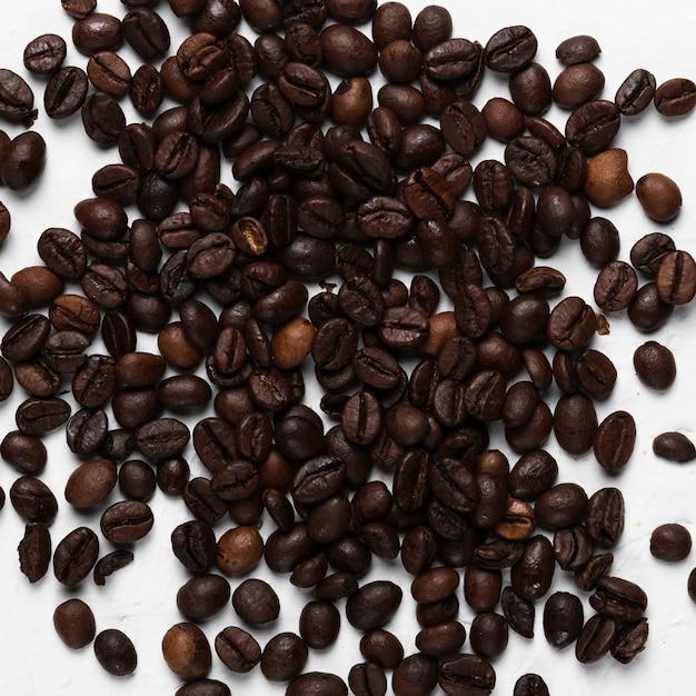 Tratamento de grãos de café close-up no spa Foto gratuita