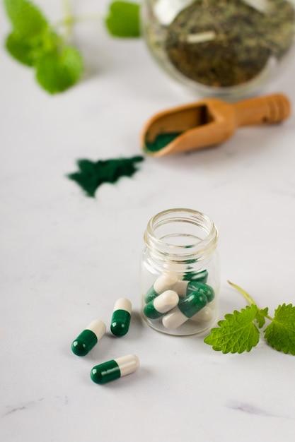 Tratamento médico de close-up em cima da mesa Foto gratuita