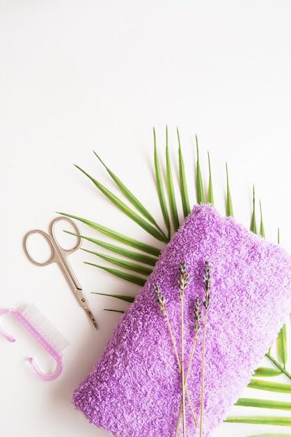Tratamentos de unhas para mãos e pés, ferramentas de manicure e pedicure, espaço de cópia Foto Premium