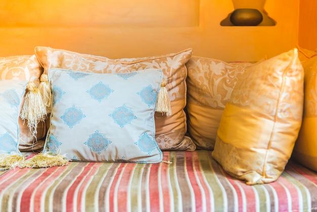 Travesseiro sofá Foto gratuita