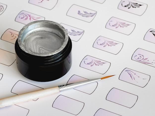 Treinamento em pintura de monogramas para manicure. cartões de treinamento para manicure. Foto Premium