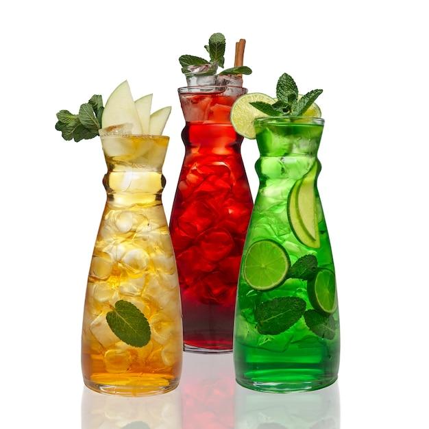 Três, jarro, com, gelado, bebidas Foto Premium