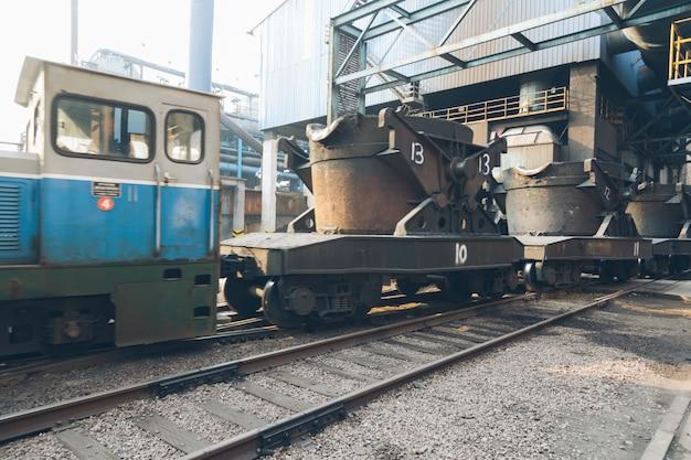 Trilhas de trem Foto gratuita