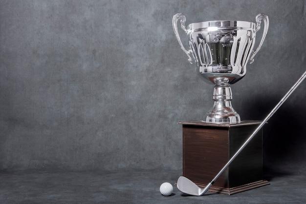 Troféu de golfe com espaço para texto Foto gratuita