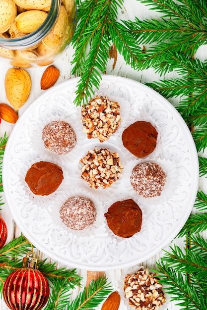 Trufas de chocolate caseiras Foto Premium