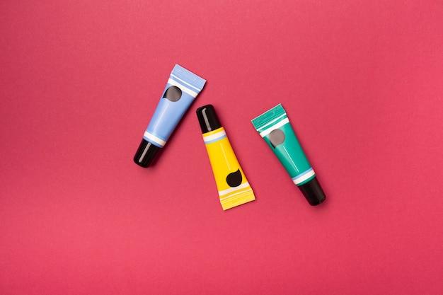 Tubo de bálsamo labial Foto Premium