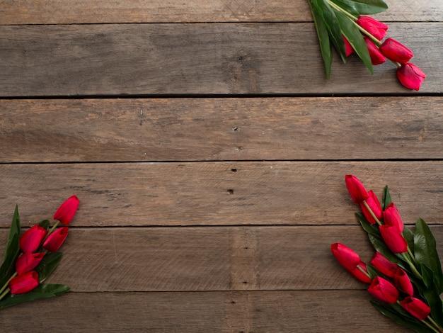 Tulipas vermelhas dia de páscoa ou primavera Foto Premium