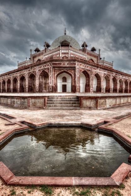 Túmulo de humayun. delhi, india Foto Premium