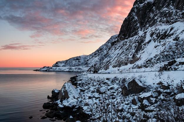 Tunnal, estrada, ligado, ártico, litoral, em, lofoten, ilhas Foto Premium