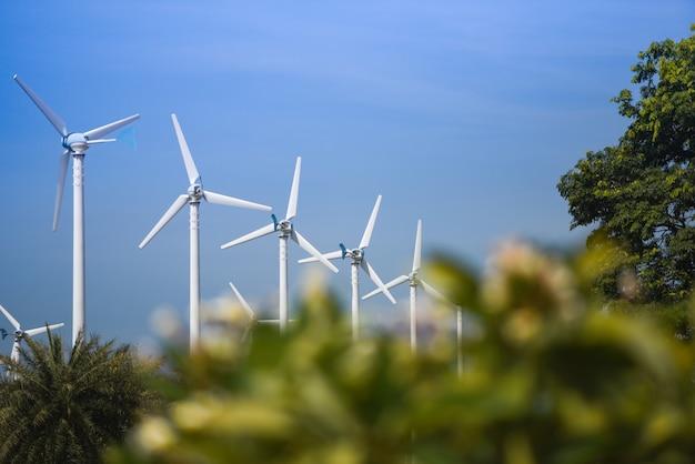 Turbina de vento paisagem natural energia verde eco conceito de energia em turbinas de vento fazenda céu azul Foto Premium