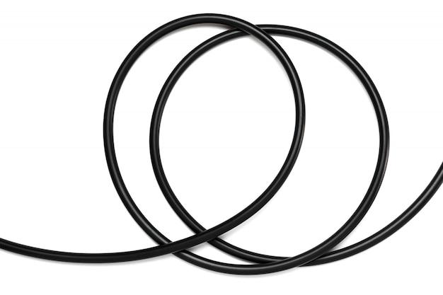 Um cabo de fio preto isolado em uma abstração branca do fundo. Foto Premium