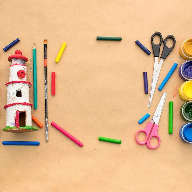 Um conjunto de materiais para criatividade e desenho hobbies. Foto Premium