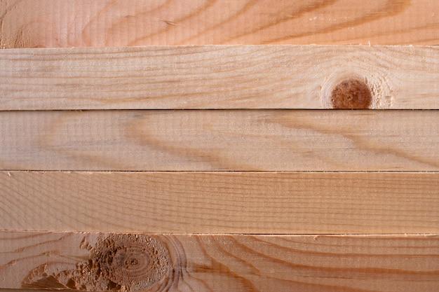 Um padrão de cinco varas de pinheiro horizontais Foto Premium