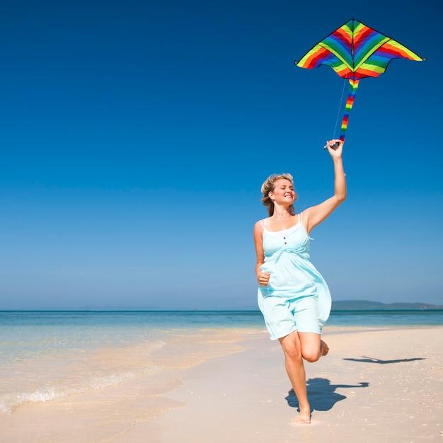 Uma família caucasiana está curtindo as férias de verão Foto Premium