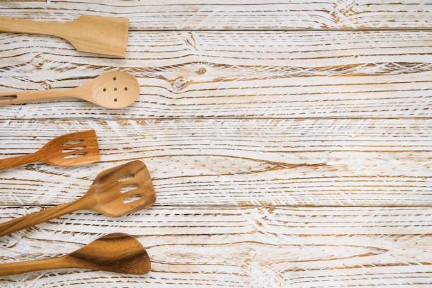 Utensílios de madeira Foto gratuita