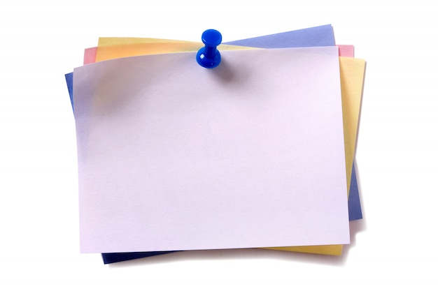 Várias cores pegajosa post nota pushpin isolado fundo branco Foto gratuita