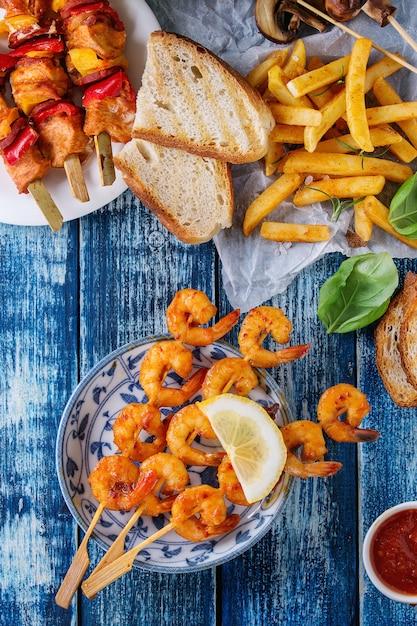 Variedade de almoço para churrasco Foto Premium