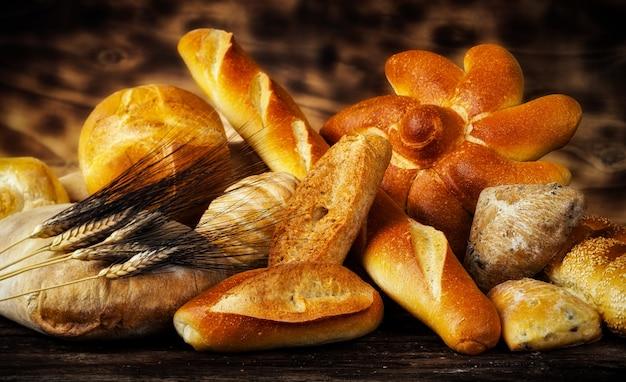 Variedade de pães Foto Premium