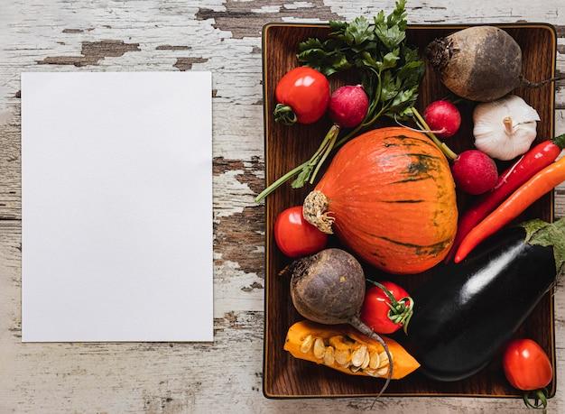 Variedade de vista superior de papel vegetal para cópia Foto gratuita