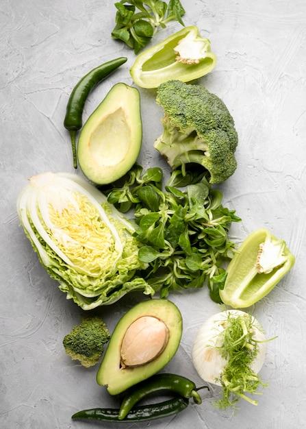 Vários vegetais verdes plana leigos Foto gratuita