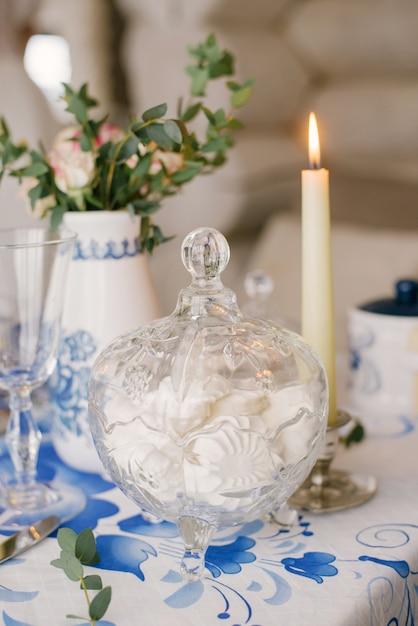 Vaso De Vidro Com Marshmallow Sobremesa Esta Sobre A Mesa