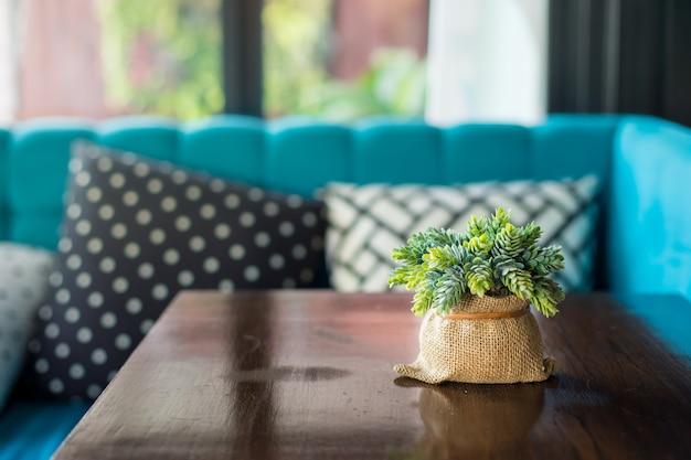 Vaso flor, ligado, decoração tabela, em, sala de estar, área, interior Foto Premium