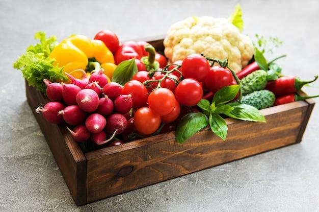 Vegetais crus diferentes Foto Premium