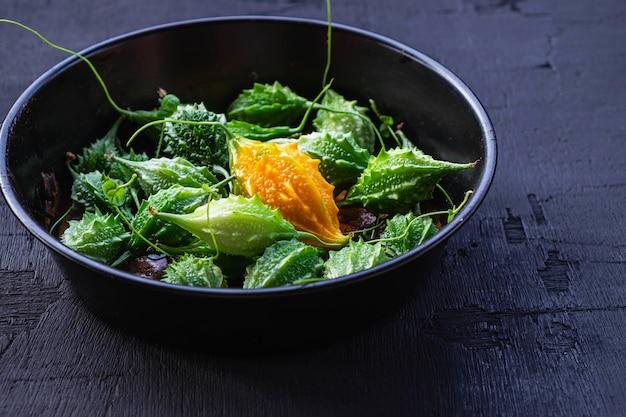 Vegetais de cabaço amargo. comida saudável Foto Premium