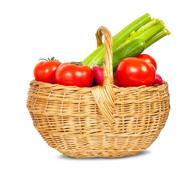 Vegetais na cesta Foto gratuita