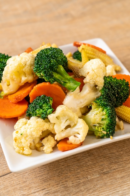 Vegetal de mistura frito Foto Premium